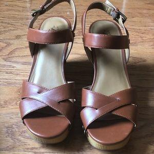 Bass Roxannie Platform Sandals Size 9